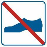 Zakaz używania obuwia - Znak