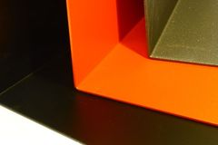 Podpórka do książek - wysokość 14 cm, czerwona
